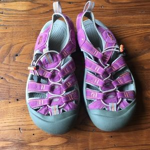 Purple women's keen shoes